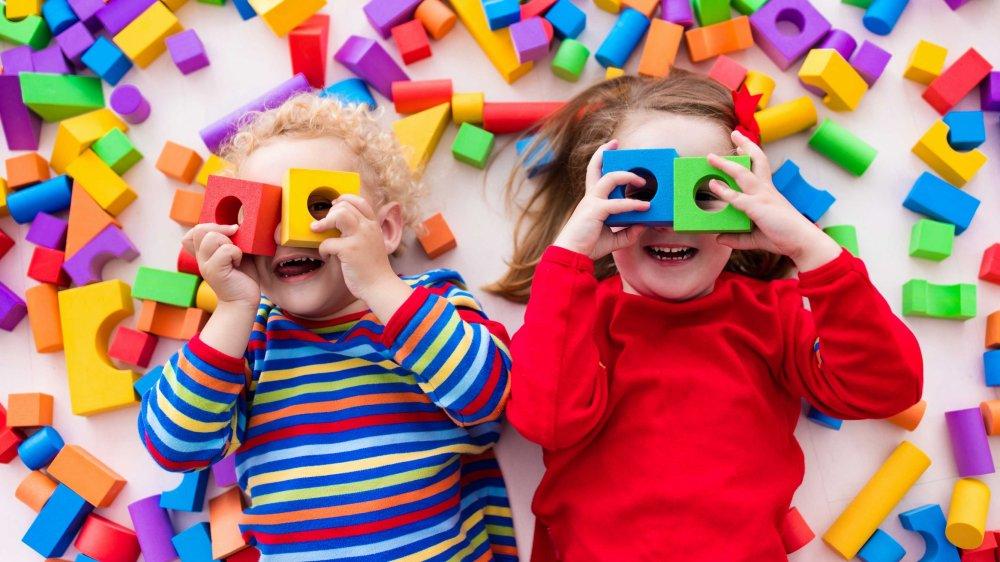 3 etape in predarea jocului la copiii cu autism